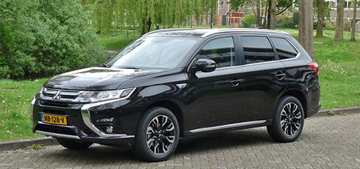 Rijden met Peugeot 5008 Blue Lease Premium 1.6 BlueHDi 120 EAT6