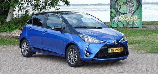 Rijden met Toyota Yaris 1.5 VVT-I Bi-Tone