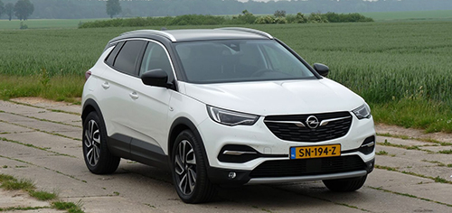 Rijden met Opel Grandland X 2.0 CDTI