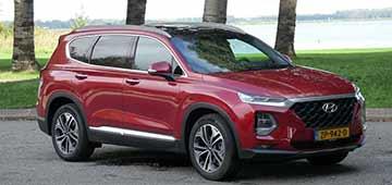 Rijden met Hyundai Santa Fe Premium 8AT 4WD