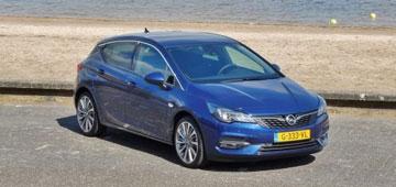 Rijden met Opel Astra 1.2 T Launch Elegance