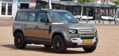 Rijden met Land Rover Defender 110 S D240