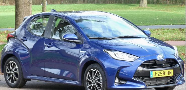 Rijden met Toyota Yaris 1.5 Hybrid Dynamic